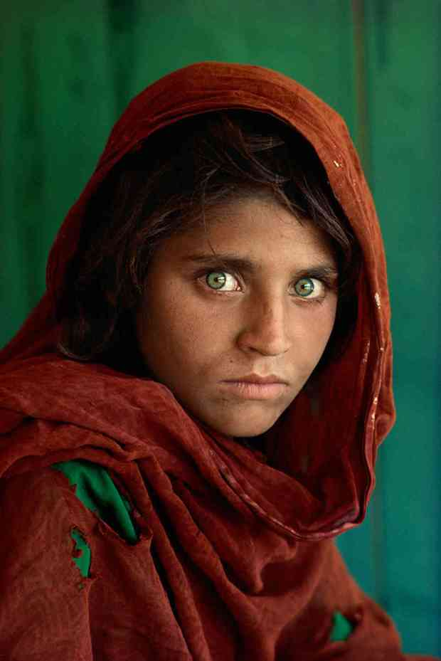 Steve McCurry, Afghan Girl, Afghanistan, 1984.